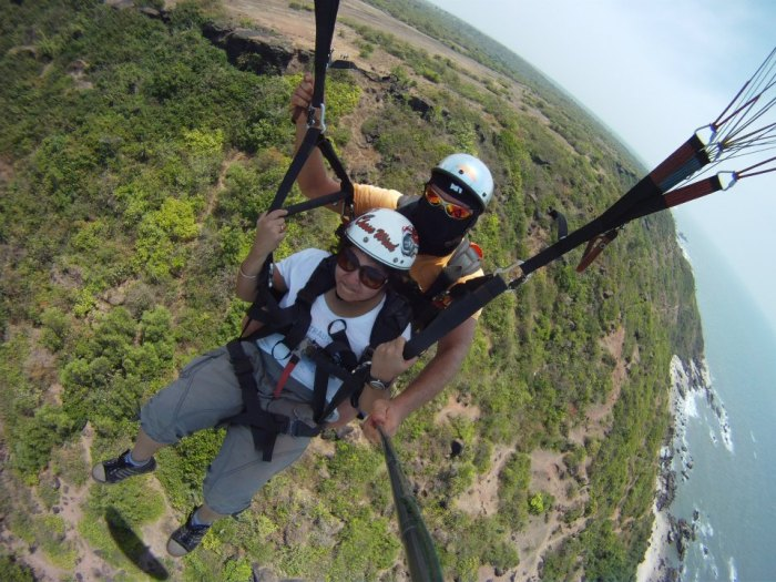 Tandem Paragliding in Goa